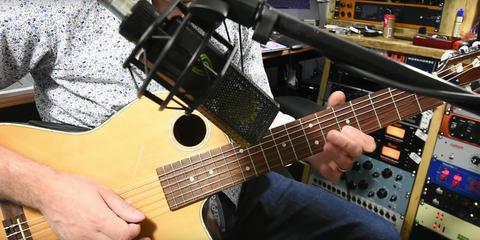 LCT 540 S low noise floor studio mic