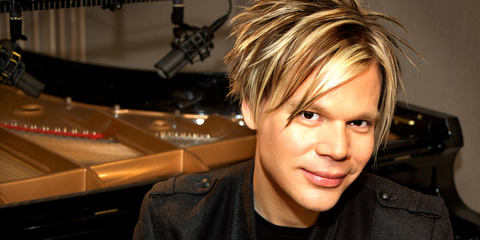 Brian Culbertson with his LCT 640 reference condenser studio microphone