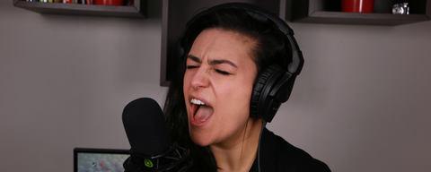 Lauren Babic using the LCT 540 SUBZERO microphone