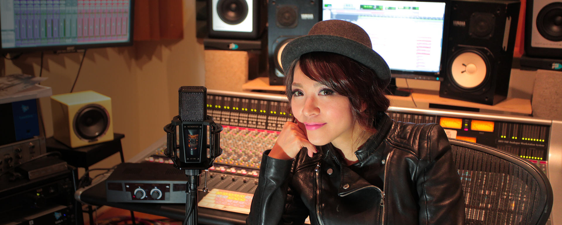 Rie Tsuji with her reference studio tube FET mic LCT 940 [Photo © David Chua]
