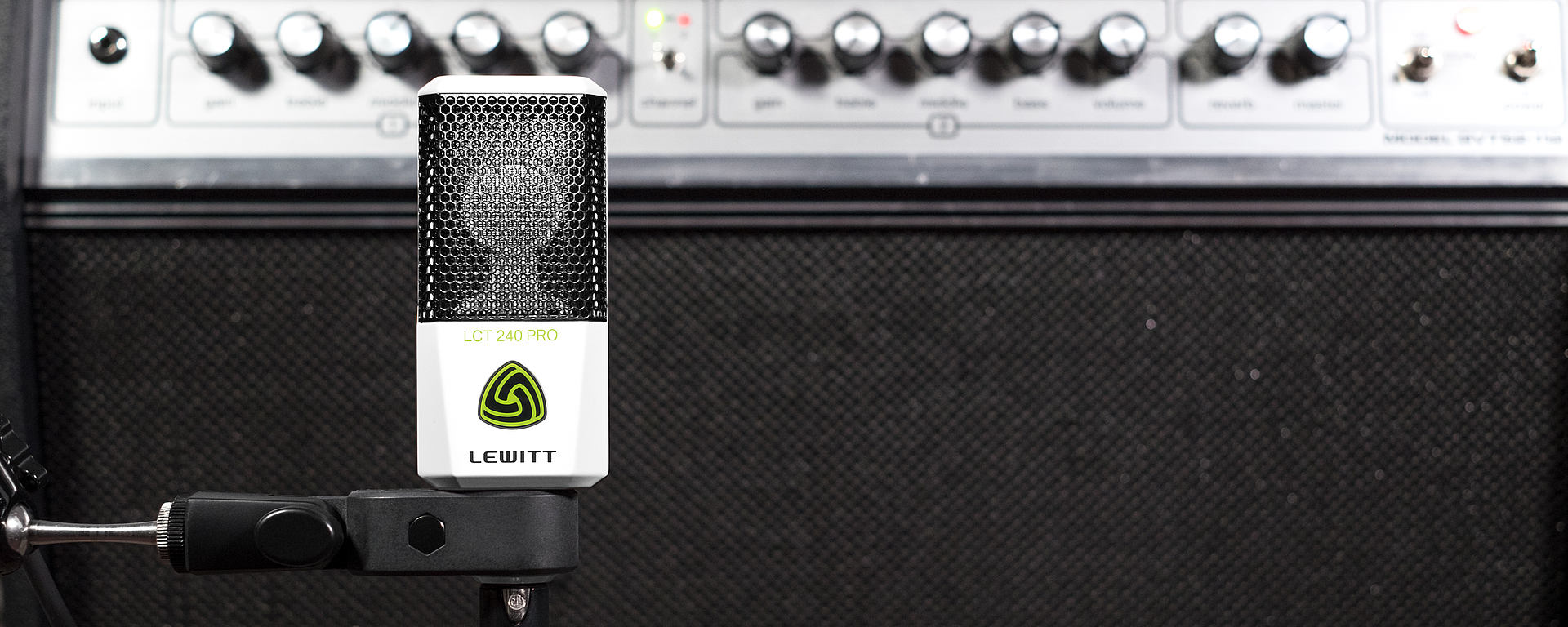 LCT 240 PRO being used to record a guitar amplifier
