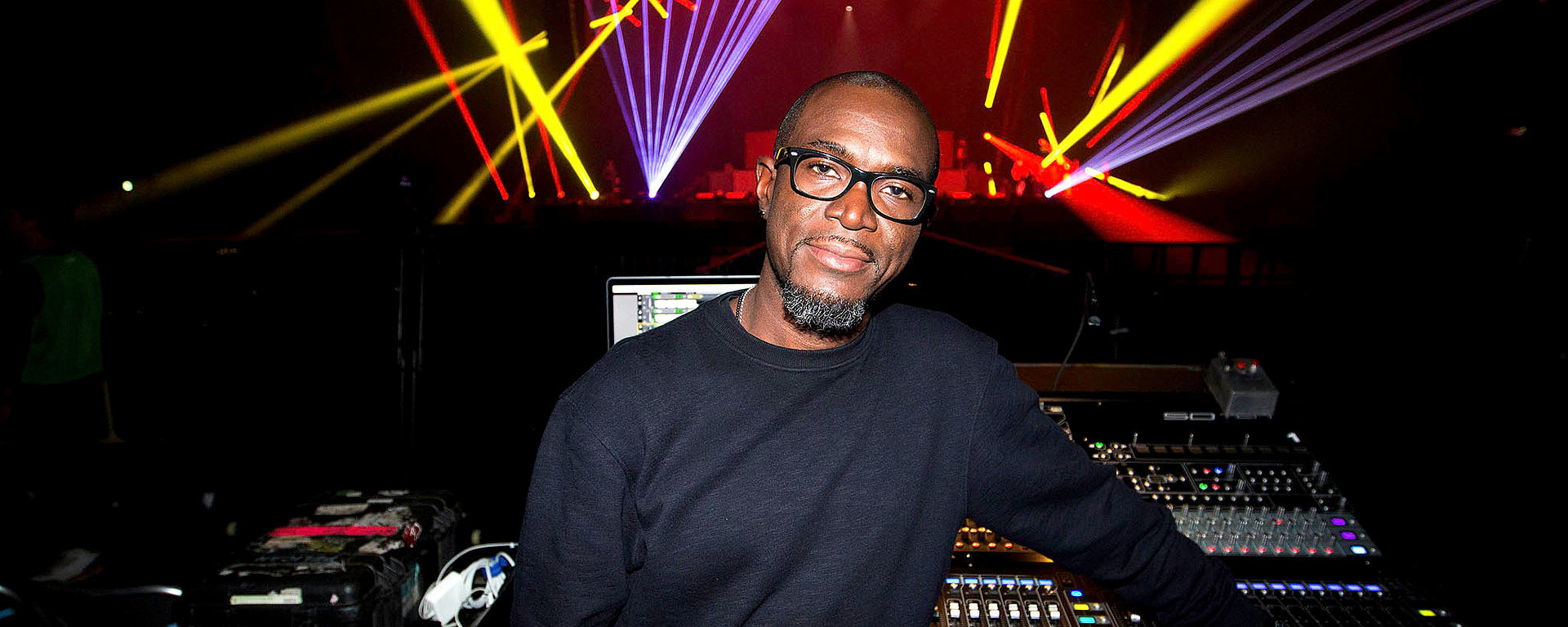 Courtney Taylor, FOH of Pharrell Williams uses his DGT 450 professional USB mic on tour