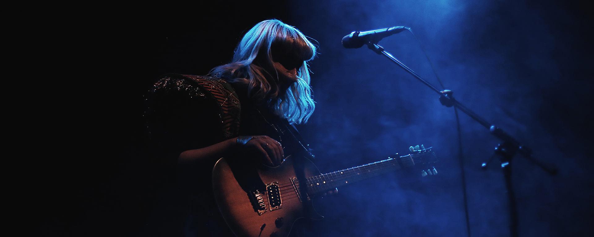 Eivor on tour with LEWITT microphones [Photo © Sarah Schad]
